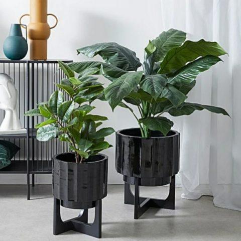 Arman Planter Pot On Stand